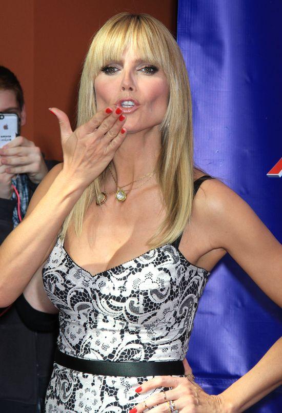 Heidi Klum w ołówkowej sukience Dolce & Gabbana (FOTO)