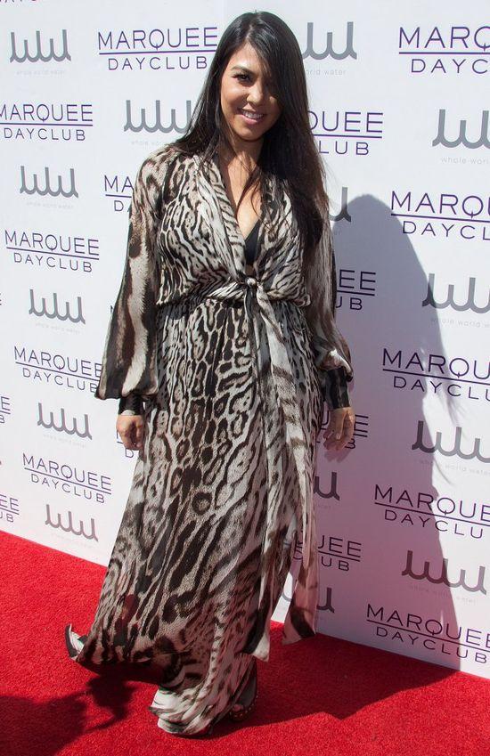 Kourtney Kardashian wstydzi się dodatkowych kilogramów?