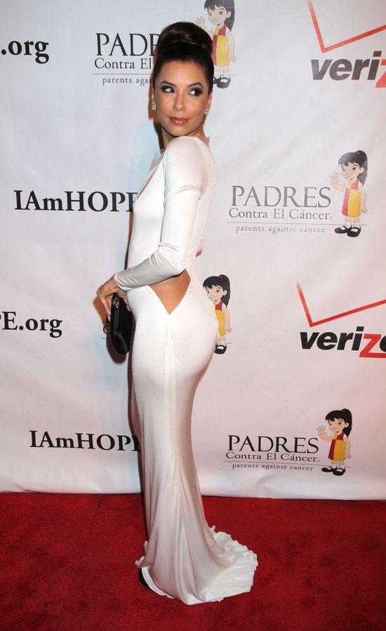 Eva Longoria w seksownej sukni z rocięciem (FOTO)