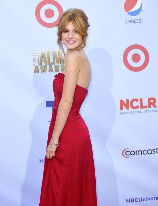 14-letnia Bella Thorne błyszczy na czerwonym dywanie