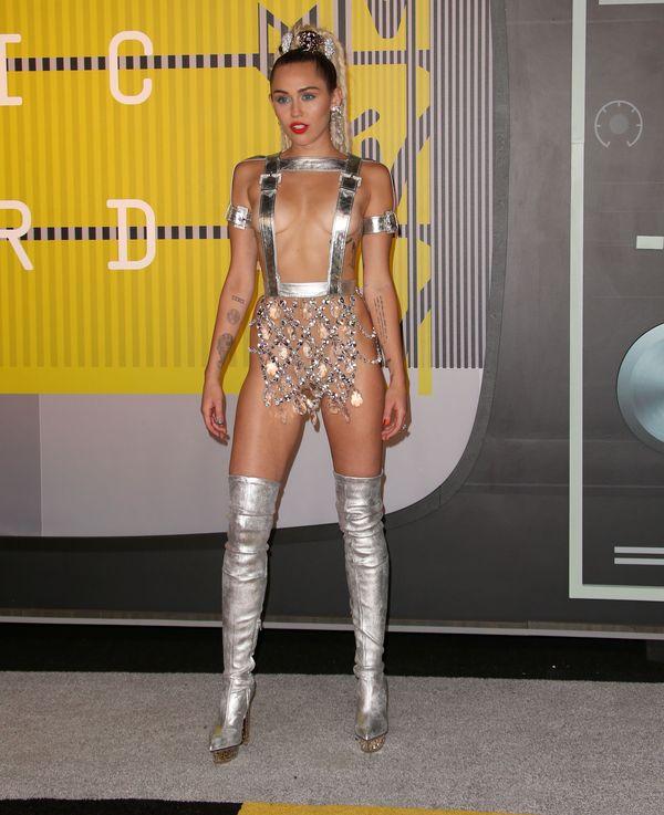 Miley Cyrus i najodważniejsza kreacja na gali MTV VMA 2015
