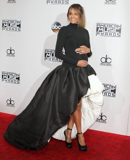 WOW! Ciara w ciąży na American Music Awards 2016! (FOTO)