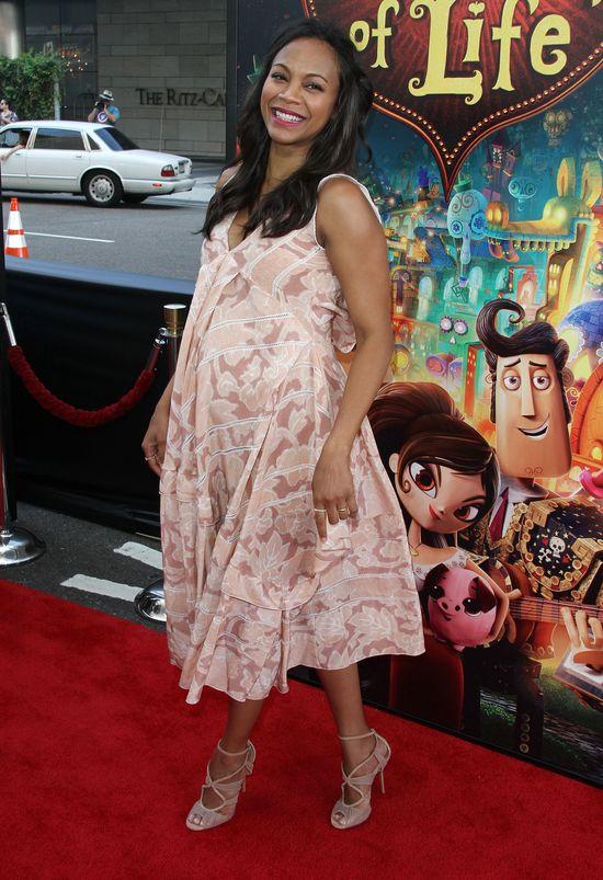 Zachwycająca Zoe Saldana w ciążowej kreacji (FOTO)