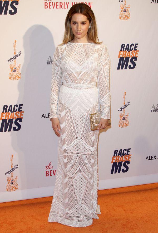 Ashley Tisdale zachwyca w białej sukni (FOTO)