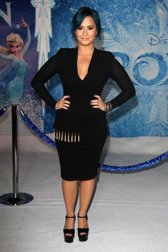 Kristen Bell w Sachin + Babi, Demi Lovato w Altuzarra