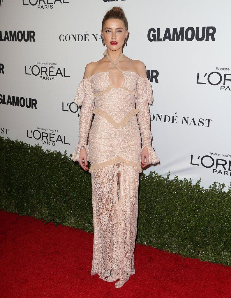 Amber Heard pierwszy raz na salonach od czasu rozwodu z Deppem (FOTO)