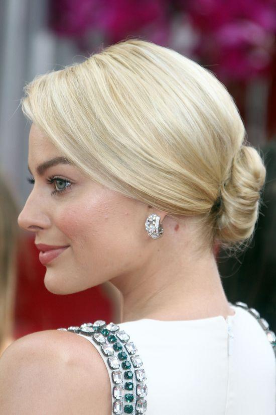 Margot Robbie - najlepsza fryzura i makijaż Złotych Globów?