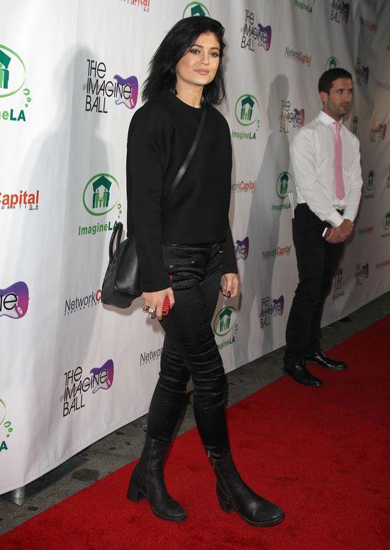 Skromna (?) Kylie Jenner (FOTO)