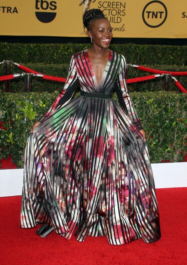 Lupita Nyong'o w okazałej kreacji Elie Saab (FOTO)
