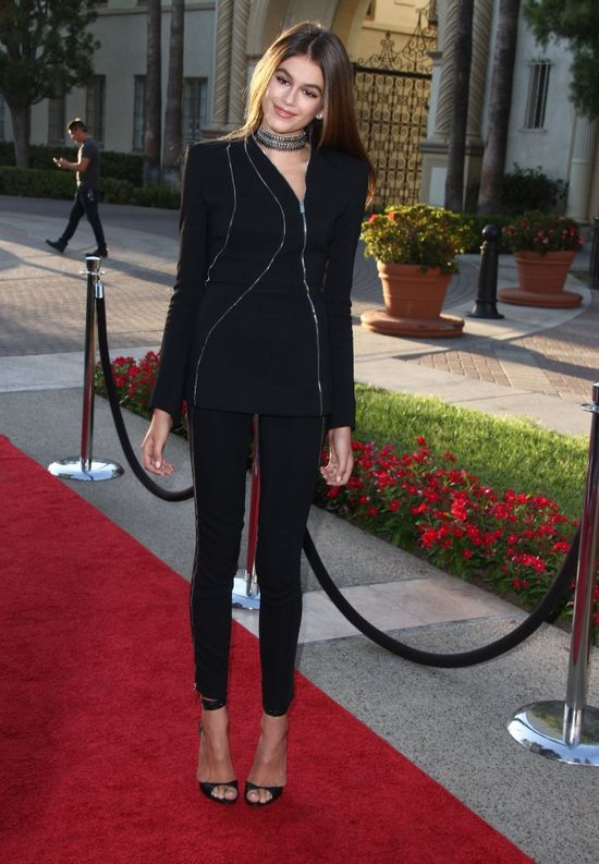 Kaia Gerber, córka Cindy Crawford,  na czerwonym dywanie! (FOTO)