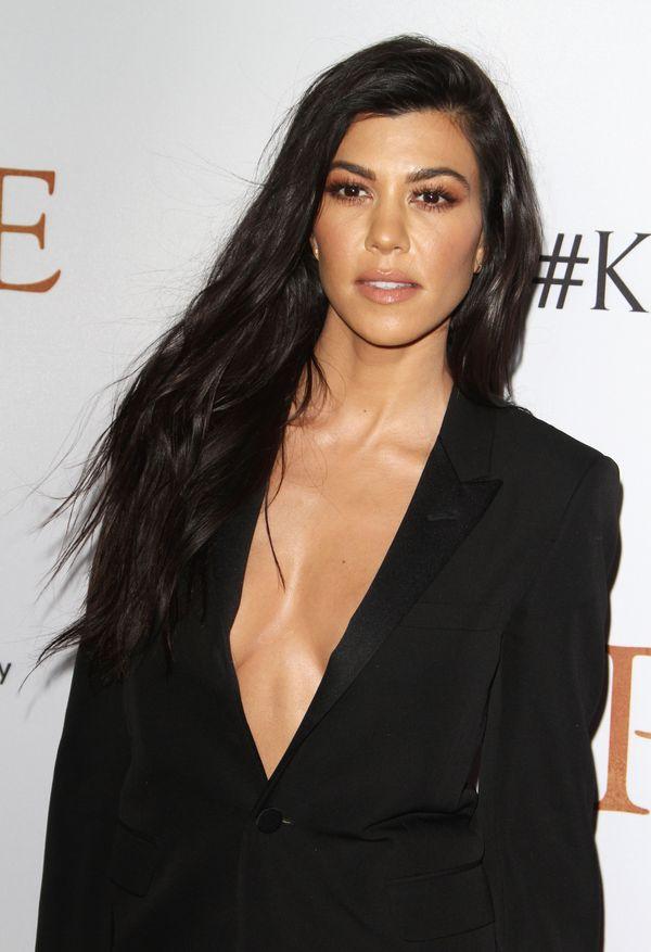 Kim i Kourtney Kardashian w końcu pokazały się na salonach (FOTO)
