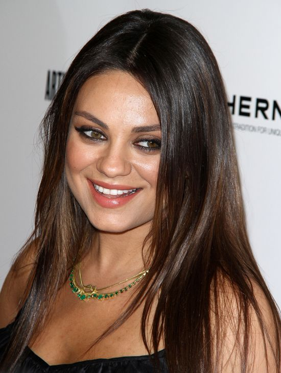 Mila Kunis coraz okrąglejsza (FOTO)