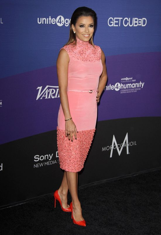 Eva Longoria w różowej sukience Georges Hobeika Couture