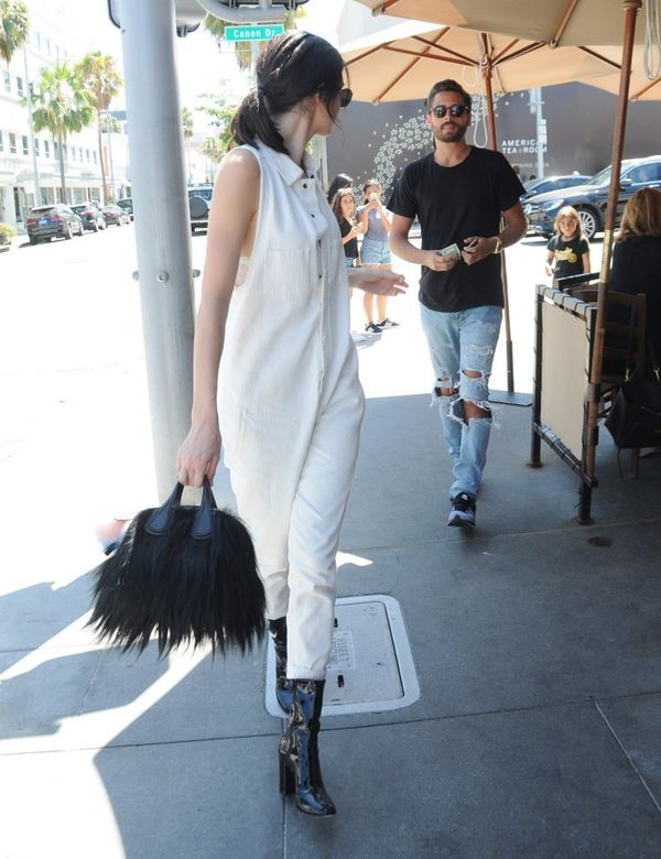 Najnowsza stylizacja Kendall Jenner budzi w nas bardzo mieszane uczucia