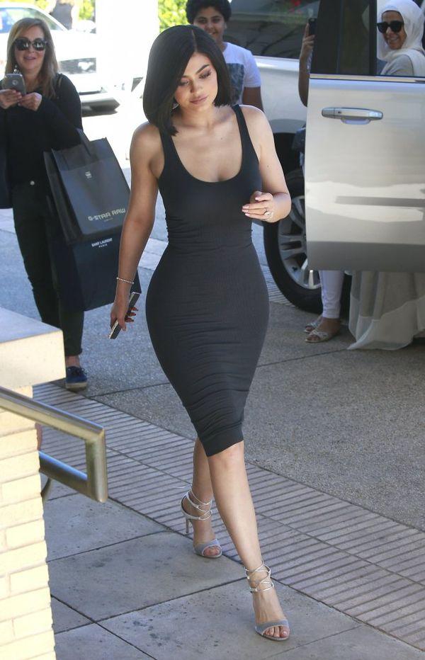 Kylie Jenner obcięła swoje naturalne włosy! (FOTO)