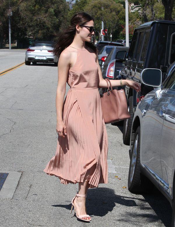 Rewelacyjna romantyczna stylizacja Emmy Rossum (FOTO)