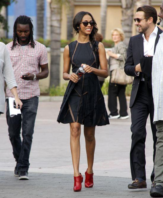 Zoe Saldana w sukience Elie Saab i Louboutinach (FOTO)