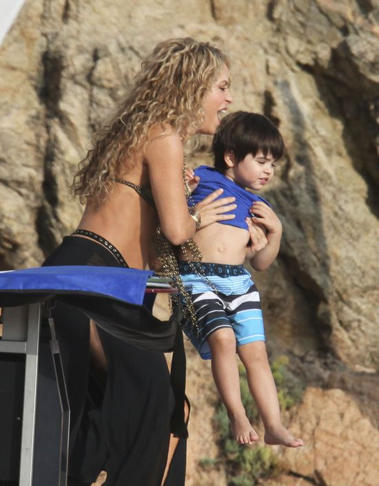 Nie uwierzycie jak wygląda brzuch Shakiry po dwóch ciążach