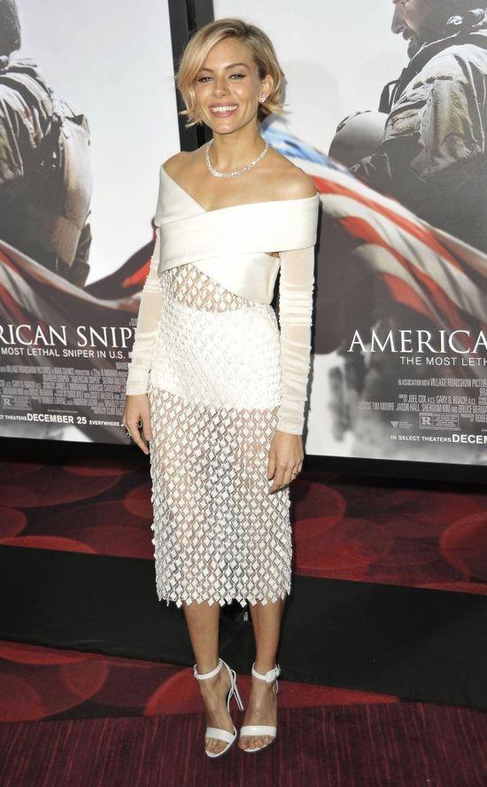 Sienna Miller w Balenciaga i A.L.C. (FOTO)