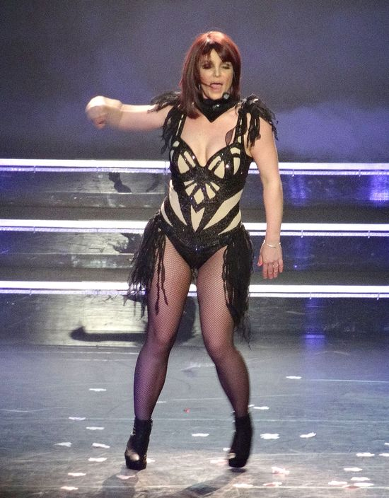 Britney Spears pokazała ciało na koncercie (FOTO)