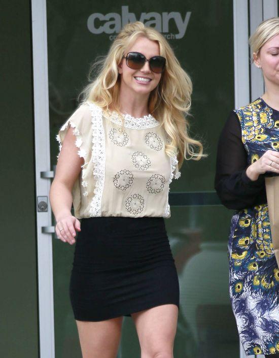 Britney Spears powróciła do ciemnych włosów (FOTO)