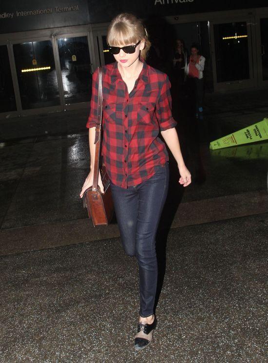 Taylor Swift w koszuli w kratę (FOTO)