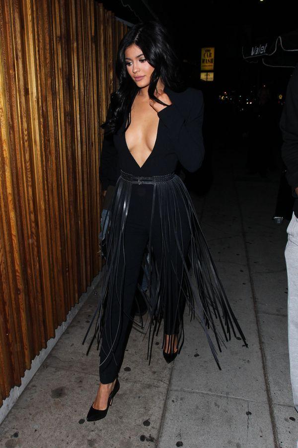 Kylie Jenner bierze przykład z Kim Kardashian, ale... (FOTO)