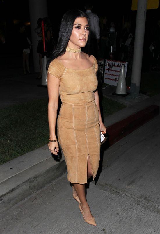 Kourtney Kardashian (prawie) jak bogini (FOTO)