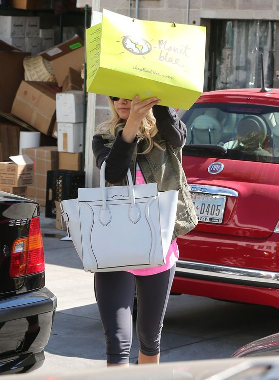 Ashley Tisdale przyłapana bez makijażu (FOTO)