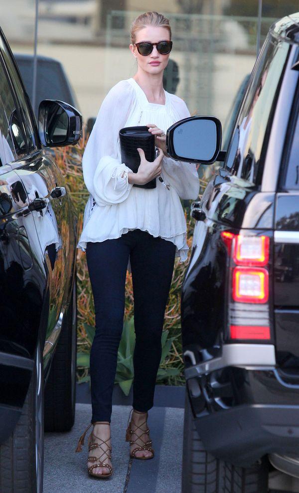 Rosie Huntington-Whiteley zachwyca codziennym stylem