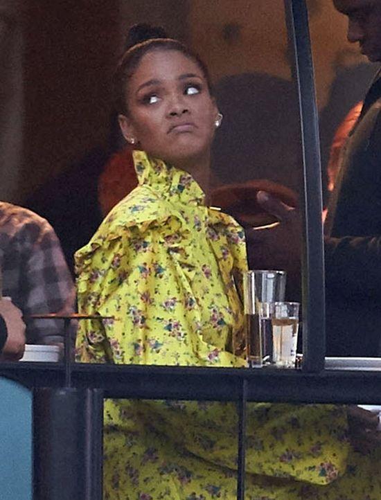 Rihanna w sukience Vetements na ulicach Sztokholmu wyglądała obłędnie (FOTO)