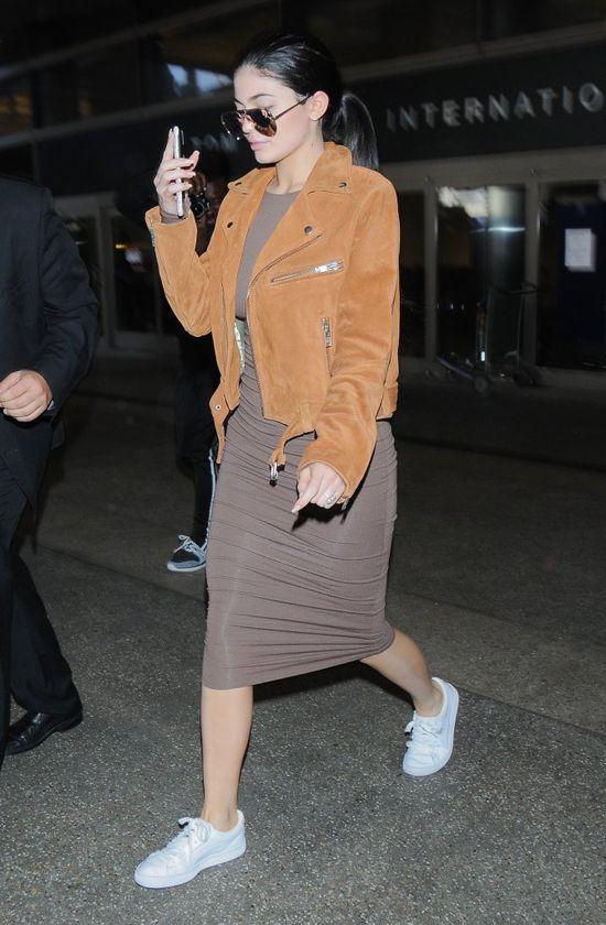 Jeden szczegół w stylizacji Kylie Jenner wprawia w osłupienie (FOTO)