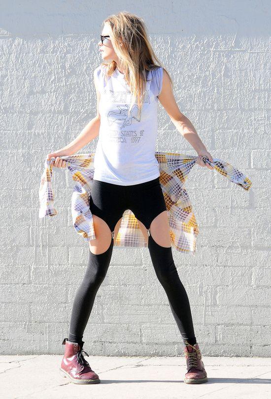 Która modelka pochwaliła się takimi fantazyjnymi legginsami?