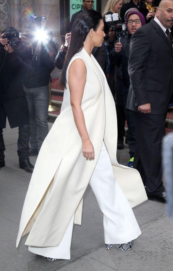 Kim Kardashian znowu dostała w prezencie nietypową torebkę