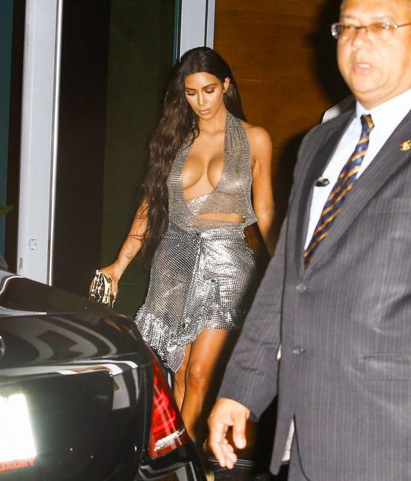 Tak Kim Kardashian ubiera się na koncerty swojego męża: