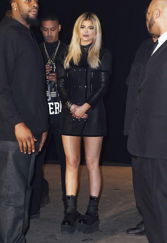 Dwie stylizacje Kylie Jenner podczas NYFW (FOTO)