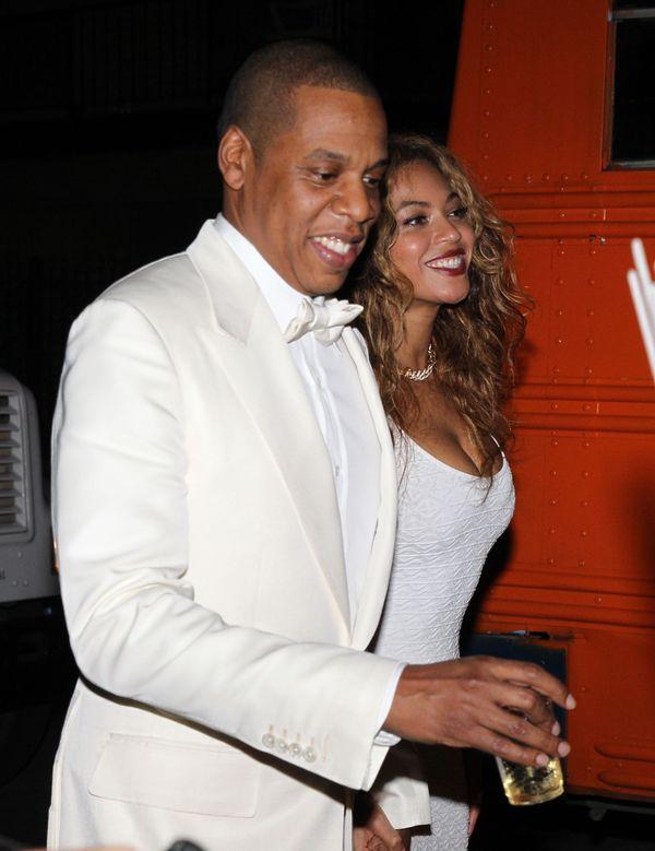 Zobacz ślubne kreacje siostry Beyonce, Solange (FOTO)