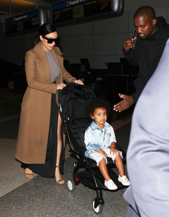 Kim - dama Celine, Nori w jeansie i z rozwichszonymi włosami