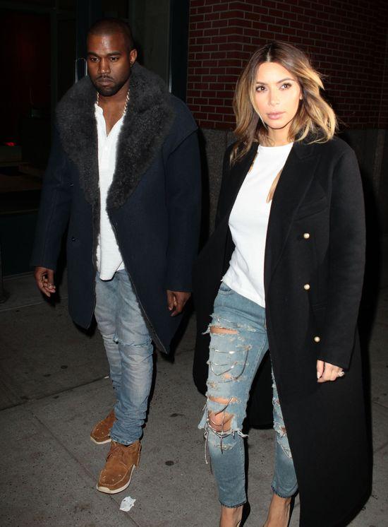 Kim Kardashian w poszarpanych jeansach (FOTO)
