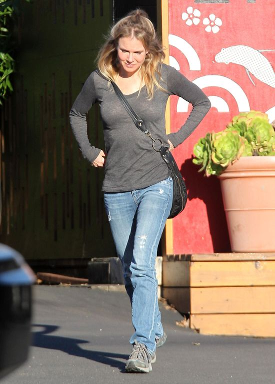 Odmłodzona Renee Zellweger w codziennym wydaniu (FOTO)