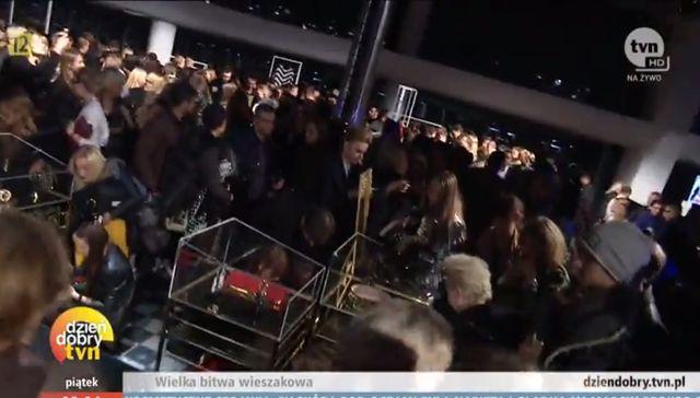 Filip Chazjer punktuje fashionistów za walkę o BalmainxH&M
