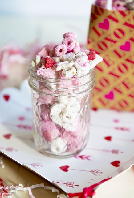 Czym grozi podjadanie słodyczy?
