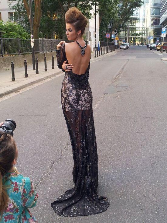Justyna Pawlicka z Top Model 3 pozuje w sukniach ślubnych