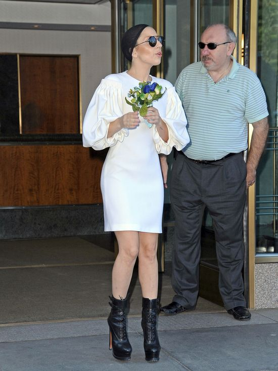 Lady Gaga w czarnym czepku (FOTO)