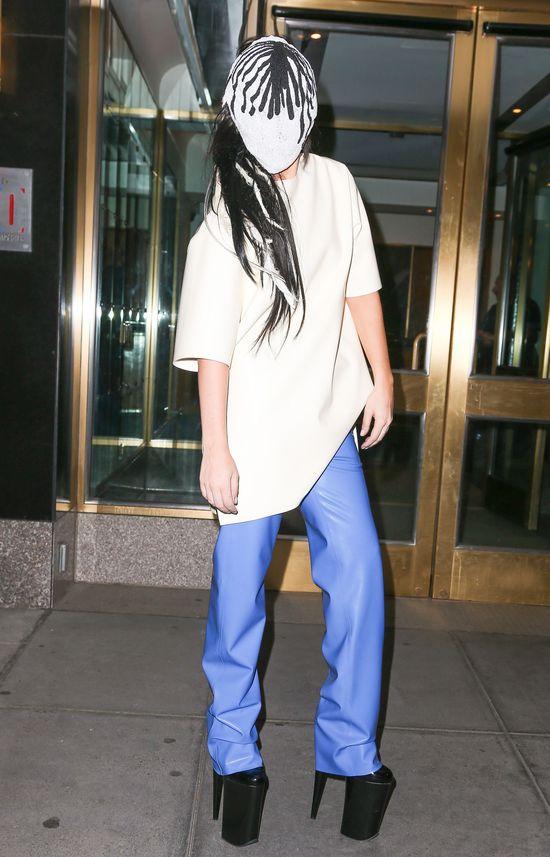 Lady Gaga w masce Maison Martin Margiela (FOTO)