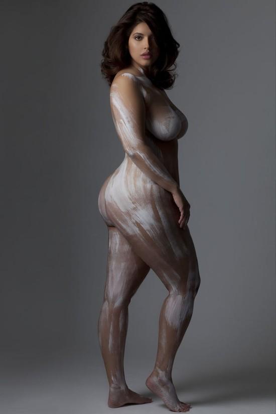 Krągła Denise Bidot rozebrała się, by coś udowodnić (FOTO)