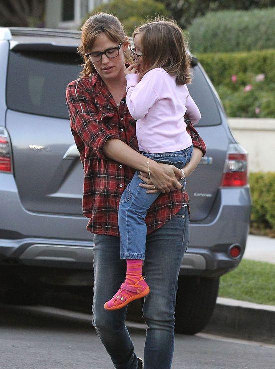 Jennifer Garner w casualowej stylizacji (FOTO)