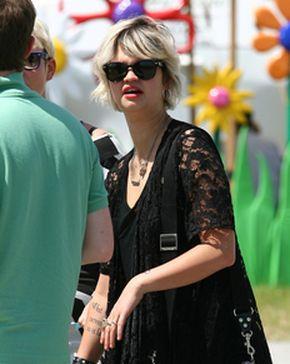 Pixie Geldof na festiwalu w Glastonbury