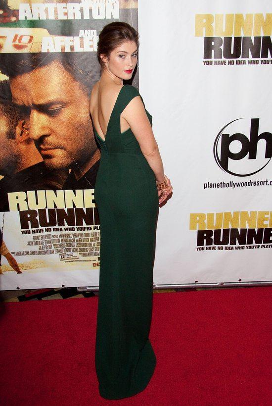Gemma Arterton w Burberry Prorsum