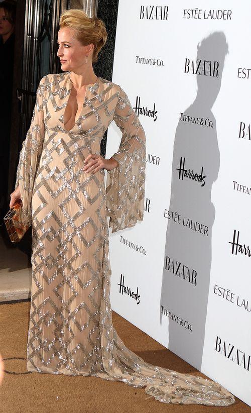 Gillian Anderson nie boi się błyszczeć (FOTO)